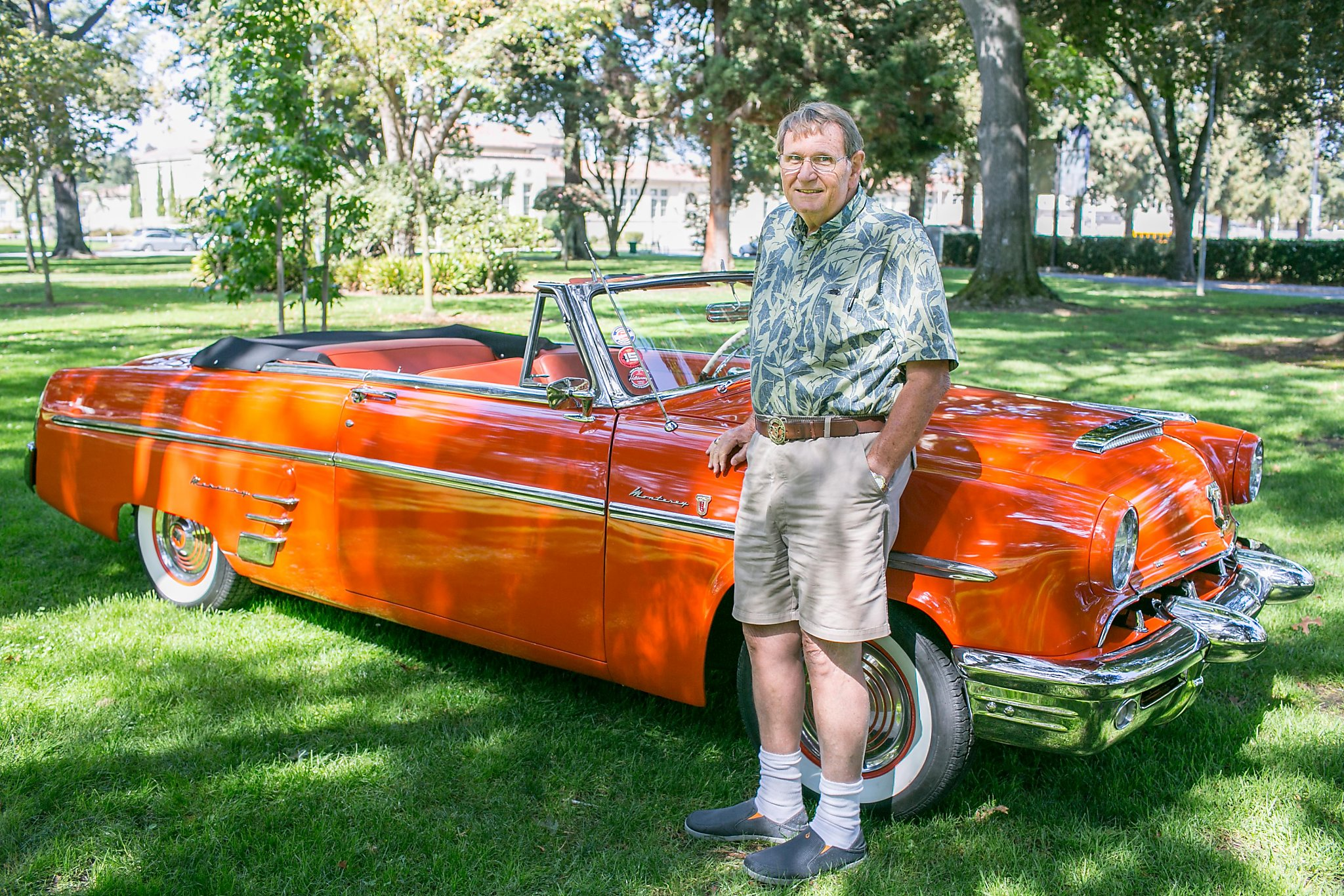 'Car guy' revives 1953 Mercury convertible