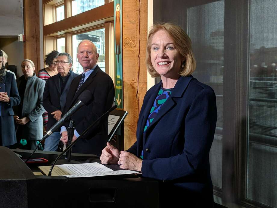 Seattle Mayor Jenny Durkan hailed the forthcoming construction of a downtown waterfront park at a Thursday press conference at the Seattle Aquarium. The $712 million project will include a 20-acre park and easier access to Pike Place Market, she said. Photo: Lynsi Burton/SeattlePI