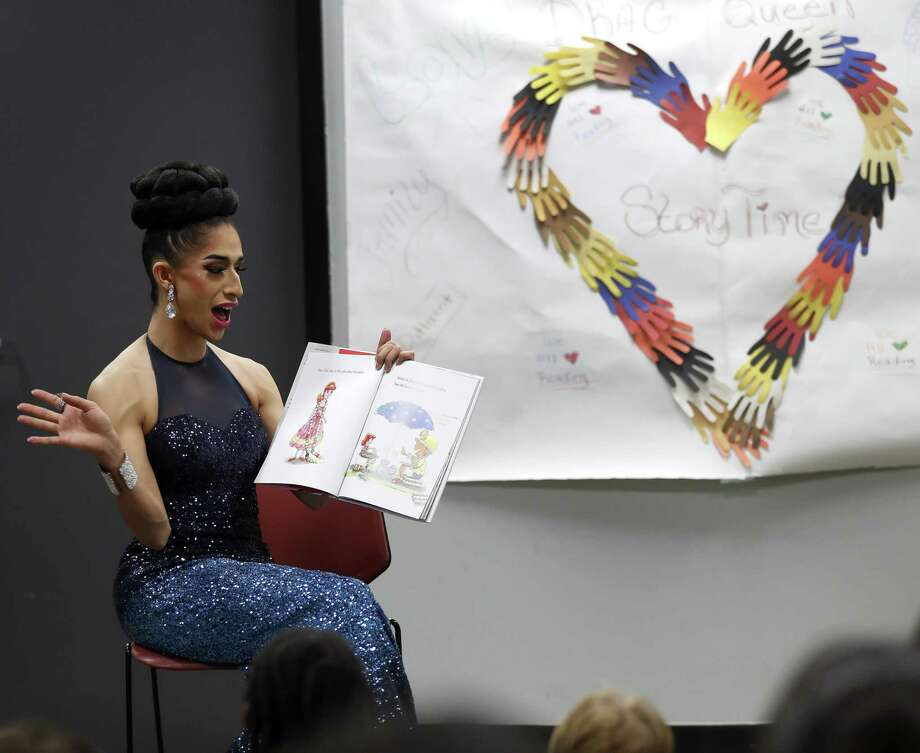 The founders of Houston Public Library's popular Drag Queen Story Time said that they are stopping the program out of fears for the safety of volunteers, staff and families after threats escalated in recent weeks. Photo: Karen Warren, Houston Chronicle / Staff Photographer / © 2018 Houston Chronicle