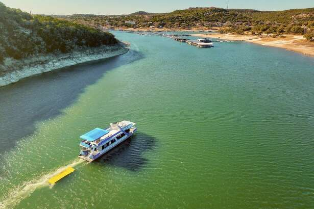 Margaritaville Houseboat on Lake Travis Average price per night: $793 Sleeps: 2
