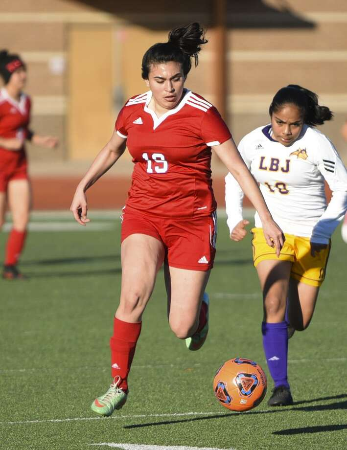 Monica Torres scored twice in both of Martin's games Thursday as the Lady Tigers won 5-1 over Monte Alta and 7-0 over Roma at the PSJA tournament. Photo: Danny Zaragoza /Laredo Morning Times File / Laredo Morning Times