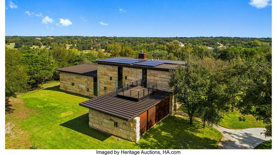 A 4,000-square-foot Austin lodge built in 2018 is heading to a no-reserve online auction later this month. Click here for the listing. Photo: Courtesy Of Heritage Auctions, HA.com