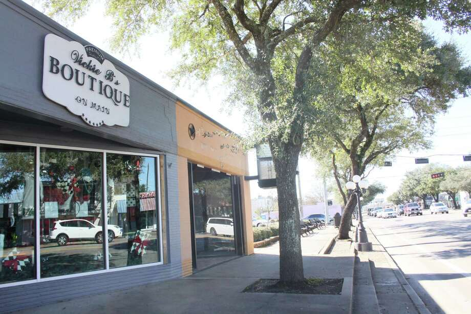 The City of Tomball will convert a former jewelry shop at 215 West Main in downtown into new offices and a community information center. Photo: Mayra Cruz