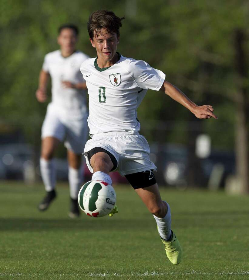 The Woodlands midfielder Ander Ormaza (8) controls the ball during the first period of a District 12-6A boys soccer match at The Woodlands High School, Friday, March 23, 2018, in The Woodlands. Photo: Jason Fochtman, Staff Photographer / Houston Chronicle / © 2018 Houston Chronicle