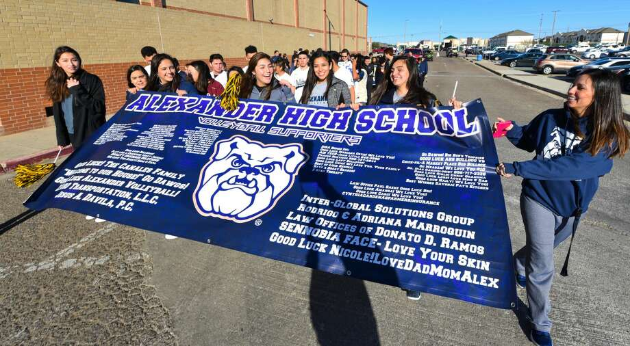 Alexander High School students participate in the Meet in the Middle Parade honoring special needs students, Thursday, Dec. 20, 2018 at Alexander High School. Photo: Danny Zaragoza/Laredo Morning Times
