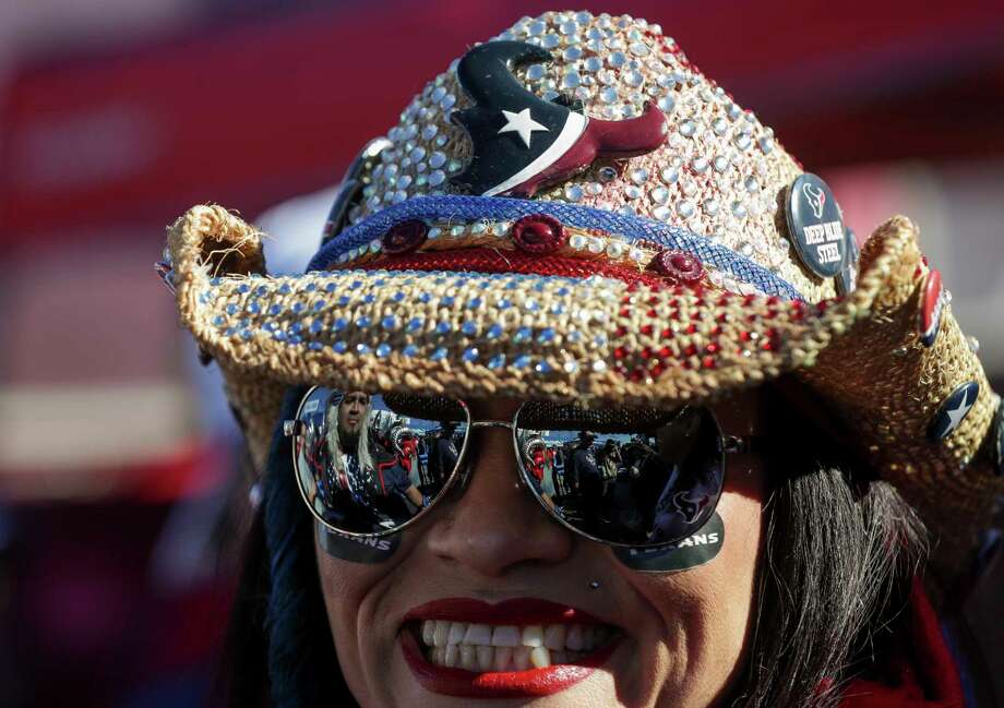 PHOTOS: A look at Texans fans at the playoff game against the Colts