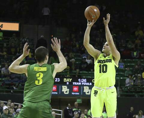 788f4b421379  p Baylor s Makai Mason shoots over Oregon s Payton Pritchard during a game  earlier this