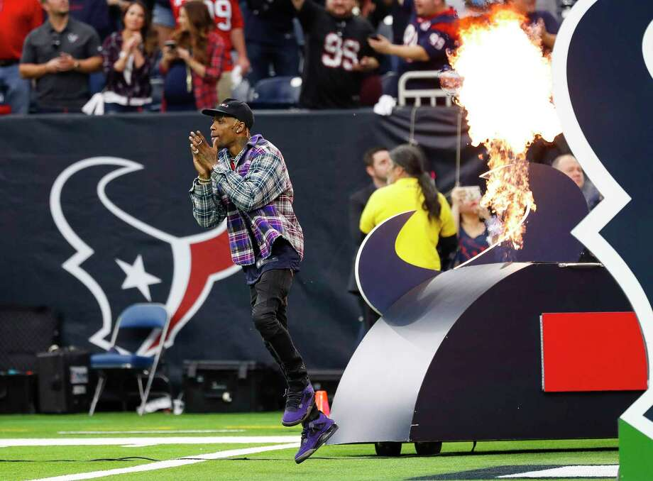PHOTOS: Travis Scott at various Houston sporting events Houston hip hop artist Travis Scott is welcomed to the field before the start of an NFL first round playoff game at NRG Stadium, Saturday, Jan. 5, 2019, in Houston. Browse through the photos above for a look at Travis Scott at all kind of Houston sporting events ... Photo: Karen Warren, Staff Photographer / © 2019 Houston Chronicle