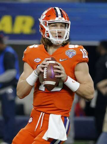 Clemson S Trevor Lawrence Once In A Generation Qb Shines