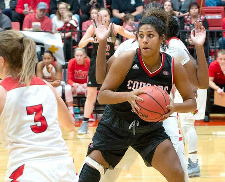 SIUE's Micah Jones scored 12 points in her team's victory at Eastern Illinois University Saturday in Charleston. Photo: SIUE Athletics