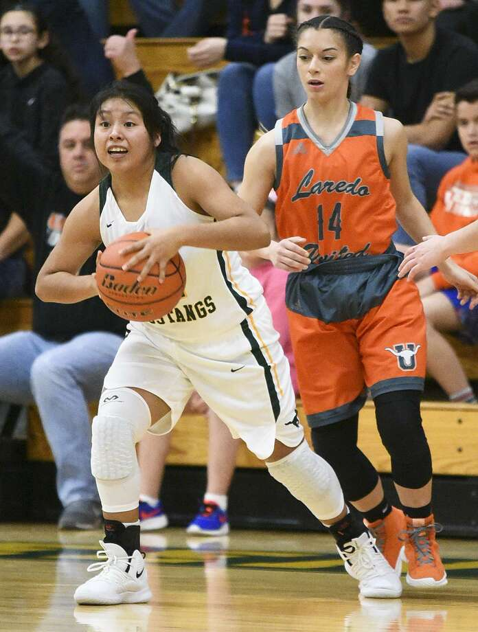 Yessenia Reyes and the Lady Mustangs lost for the first time in district play Saturday but own a 20-10 record overall in 2018-19. Photo: Danny Zaragoza /Laredo Morning Times / Laredo Morning Times