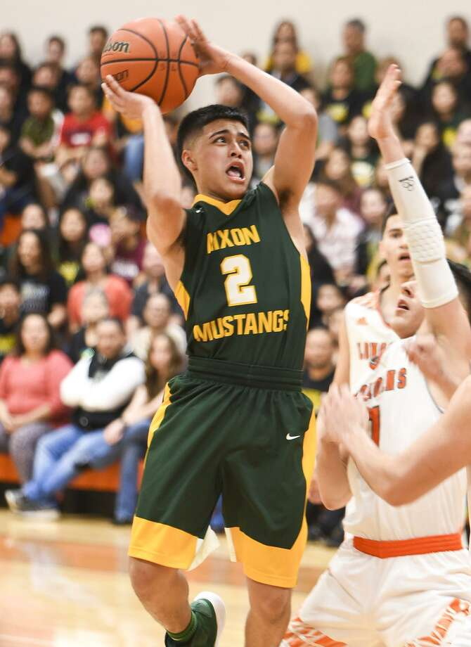 LJ Herrera and Nixon fell to United in the first round of district. On Tuesday, Mustangs look to split the season series as they host the Longhorns at 7:30 p.m. Photo: Danny Zaragoza /Laredo Morning Times Fell / Laredo Morning Times