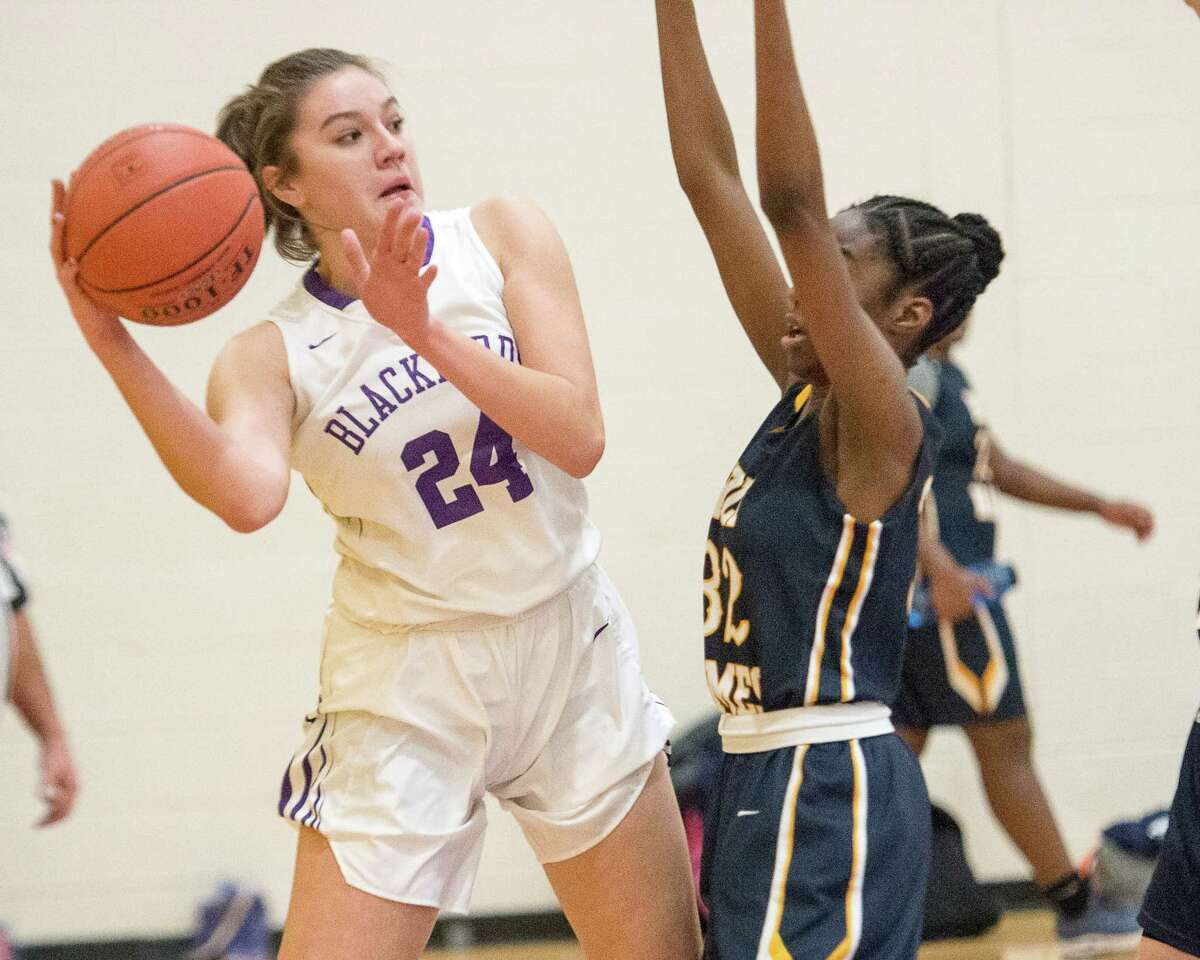 Olivia Barringer of Voorheesville plays against Holy Names on Jan. 4, 2019. (Jim Franco / Special to the Times Union)