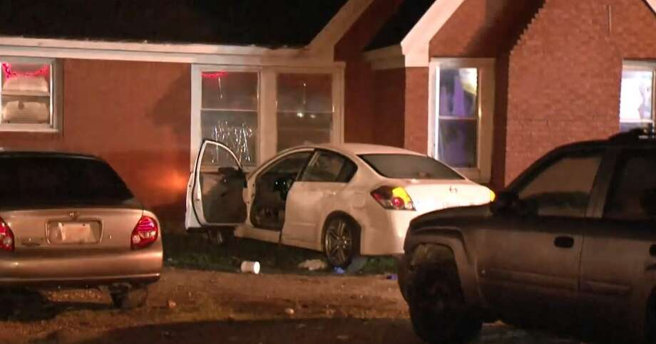 A man was found with a gunshot wound after crashing into a home on South Post Oak and Tiger Lilly on Monday, Jan. 7, 2019. Photo: Metro Video