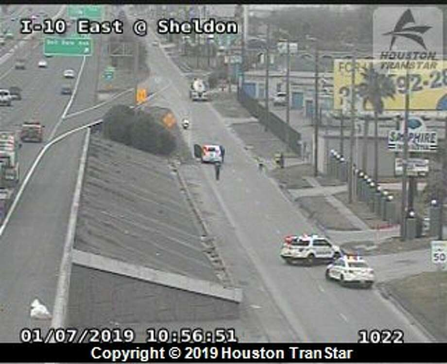 East Freeway westbound feeder lanes are closed as Harris County Sheriff's Office deputies investigate a fatal crash Monday, Jan. 7, 2019. Photo: Houston TranStar