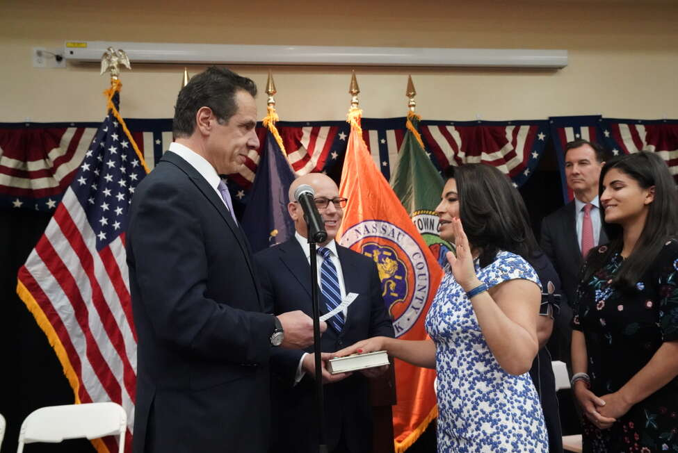 Governor Cuomo Swears In Anna Kaplan as the State Senator for District 7. (Provided by Gov. Cuomo's office)