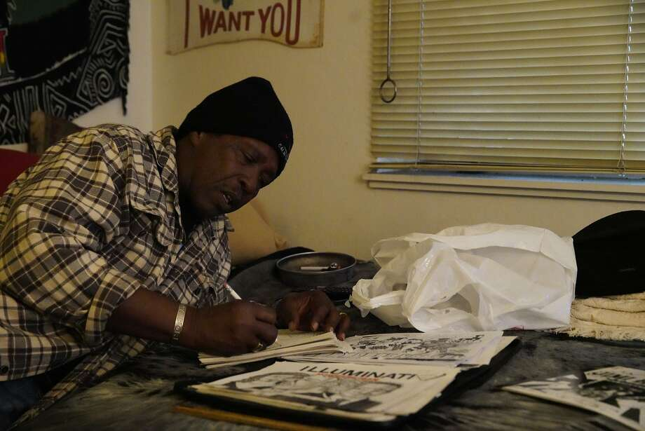 James Lowe works on a graphic novel at his home. Photo: Lea Suzuki / The Chronicle