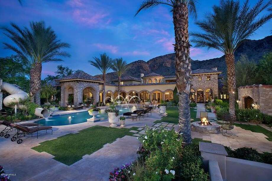 Randy Johnson keeps striking out when it comes to selling his Arizona home. So the former Arizona Diamondback has put it on the auction block. Photo: Realtor.com