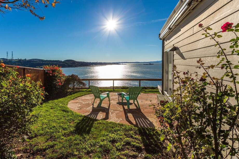 A three-bedroom, three-bathroom waterfront home at 339 Jade Circle in Vallejo, Calif., is listed for $635,000. Photo: Claude Capozzo