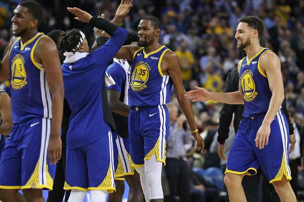 ... Klay Thompson (11) and the Warriors are just 1½ games out of the top  spot in the Western Conference.Photo  Scott Strazzante   The Chronicle b0d02786a