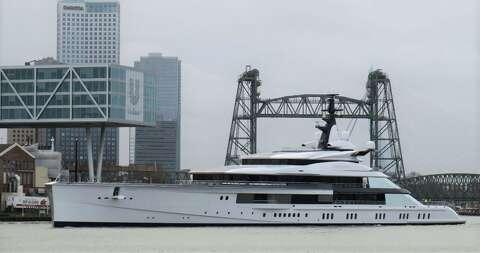 Dallas Cowboys owner Jerry Jones buys $250 million