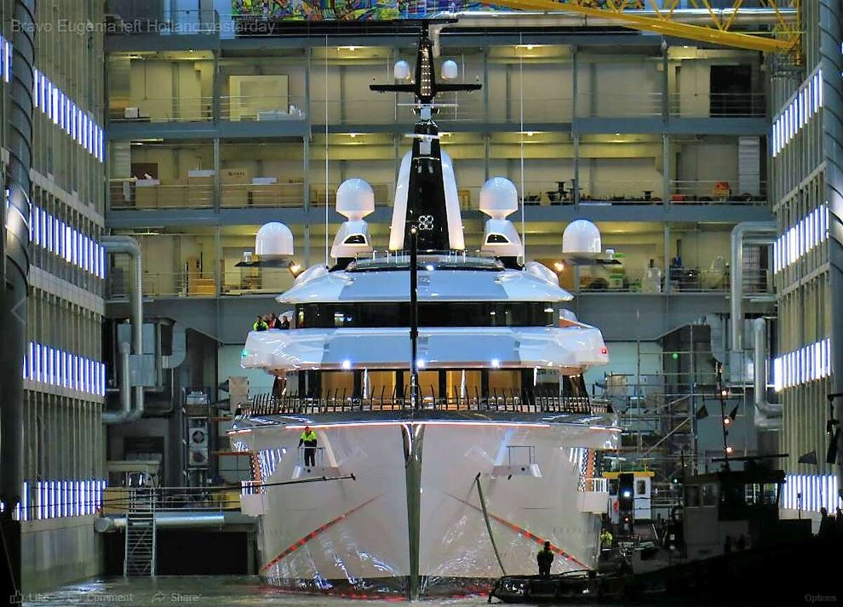 Jerry Jones has purchased a mega yacht for $250 million. (Photo: Dutch Yachting) >>> Click through to see more of the Bravo Eugenia.