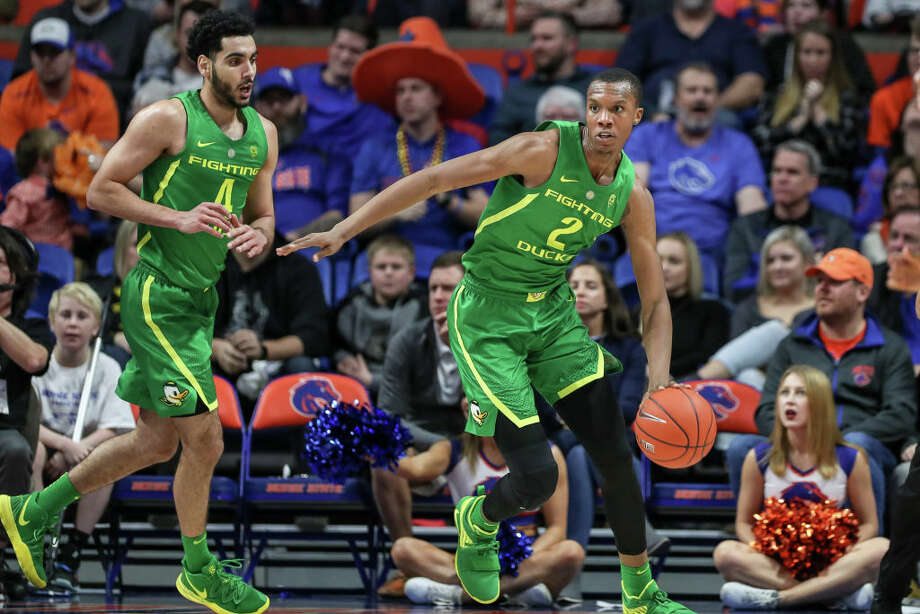 8. Oregon Ducks (11-7, 2-3 Pac-12)For the second consecutive week, the Ducks had a solid win and a bad loss. This time, they topped Arizona, only to completely fall apart against Arizona State. Without Bol Bol, the offense looks listless. Louis King and Payton Pritchard, two of their three leading scorers, both shoot under 40 percent from the field. It looks like the Ducks will be able to do enough to keep themselves out of the conference's basement tier, but that's about it. They'll have to face the Washington schools this week.  Photo: Loren Orr/Getty Images / 2018 Loren Orr