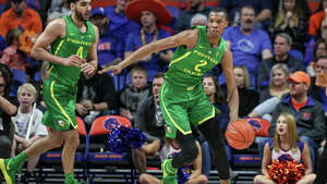 BOISE, ID - DECEMBER 29: Forward Louis King #2 of the Oregon Ducks looks to pass down the court during second half action against the Boise State Broncos on December 29, 2018 at Taco Bell Arena in Boise, Idaho. Oregon won the game 62-50. (Photo by Loren Orr/Getty Images)