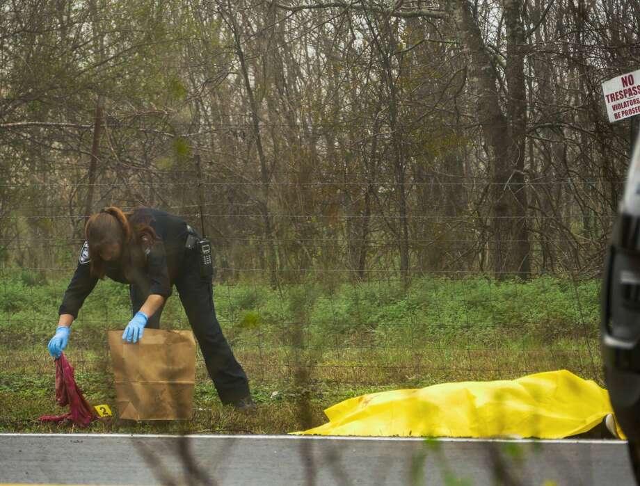 SAPD: Man found shot to death in South Side ditch - San Antonio
