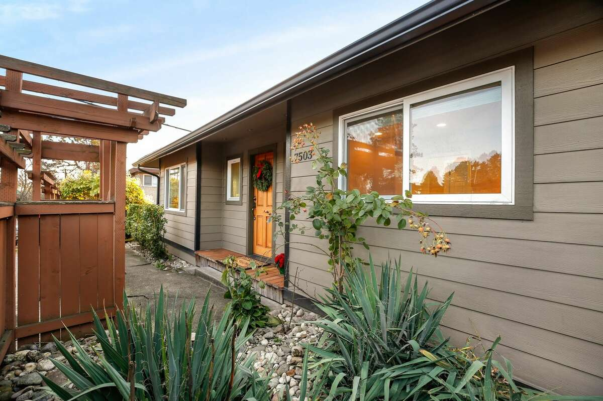 A Green Lake rambler that is ready for move-in and just moments from the lake! After a studs-out remodel completed in 2009, this house is rocking a new roof, new siding, central heat and air conditioning. 7503 5th Ave. N.E., listed for $618,999. See the full listing here.
