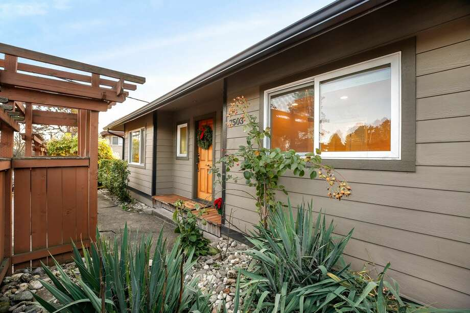 A Green Lake rambler that is ready for move-in and just moments from the lake! After a studs-out remodel completed in 2009, this house is rocking a new roof, new siding, central heat and air conditioning.