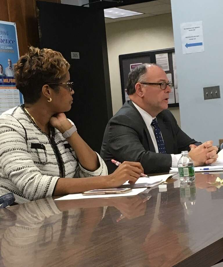 Bridgeport Schools Superintendent Aresta Johnson and Board Attorney Floyd Dugas address a special meeting of the board. Jan. 7, 2019. Photo: Linda Conner Lambeck