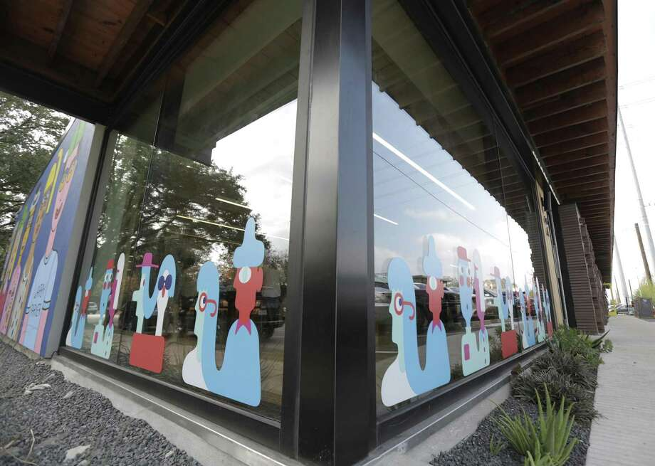 Warbly Parker was the first major brand to lease with the Heights Mercantile retail center. Photo: Elizabeth Conley, Staff / Houston Chronicle / © 2017 Houston Chronicle