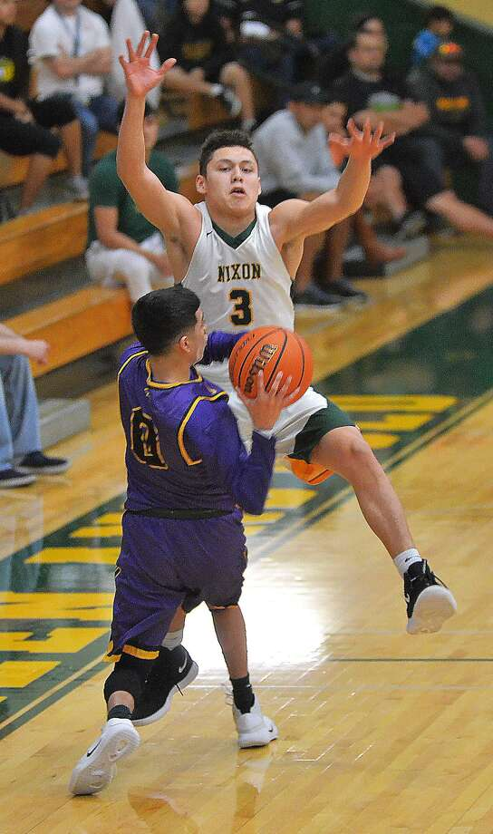 AJ Melendez and Nixon bounced back from a loss against United Saturday, as they defeated LBJ 81-53 on Tuesday. Photo: Cuate Santos /Laredo Morning Times / Laredo Morning Times