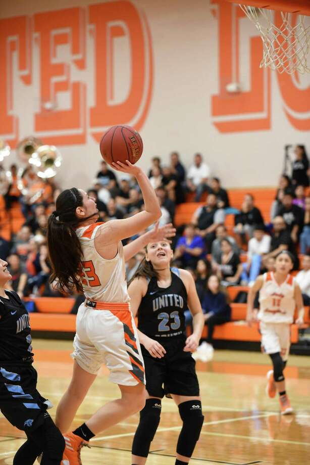 Natalia Trevino scored a game-high 21 points Tuesday as United beat United South 62-48 at home to stay unbeaten in District 29-6A. Photo: Christian Alejandro Ocampo /Laredo Morning Times / Laredo Morning Times