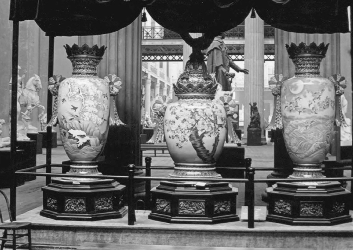 A rare, 19th-centuryMeiji period cloisonné vase from Japan, exhibited at the 1893 Worlds Columbian Exhibition, in Chicago and at the 1894 Midwinter Exposition in San Francisco discovered at a Berkeley restaurant.
