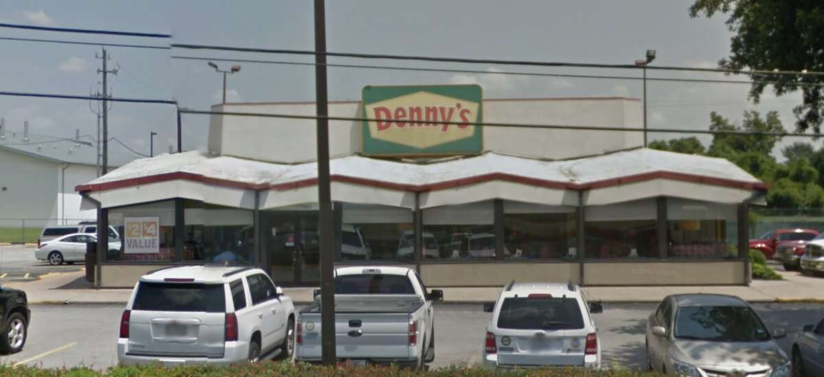 Denny's 7300 Washington Demerits: 21 Inspection highlights: Large infestation of flies near dishwasher, beverage station, front counter area; Mold on AC vent in janitor closet