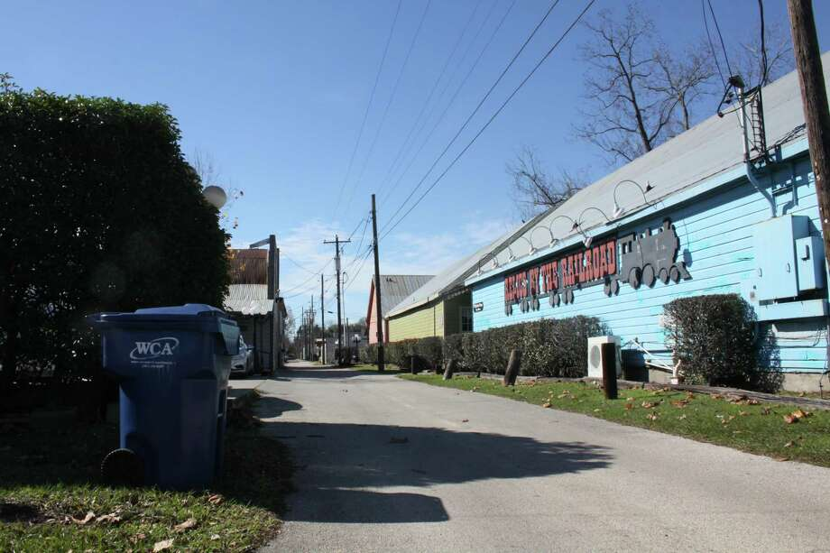 Tomball will renovate the alleys in downtown as part of its revitalization plan. The alley between Commerce St. and Main St. flanked by North Walnut St. And North Elm St. will have improvements to make it more pedestrian-friendly. Photo: Mayra Cruz