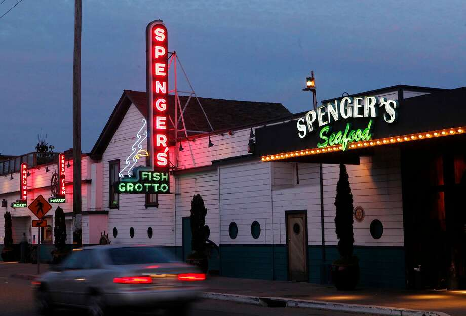 The 128-year-old Spenger's Fish Grotto in Berkeley closed in October. Photo: Mike Kepka / The Chronicle 2009