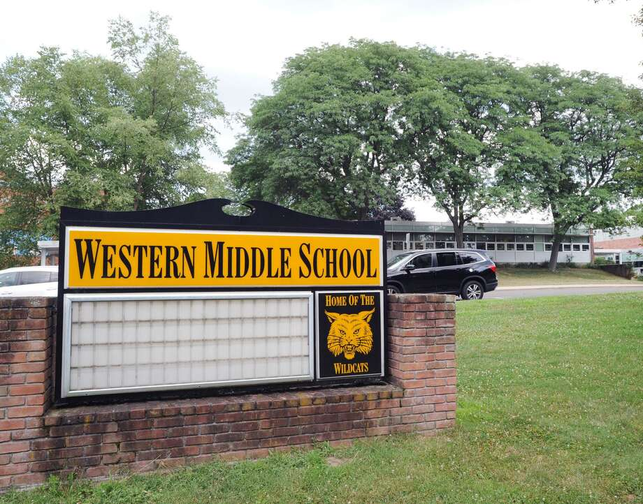 Western Middle School in Greenwich Photo: File / Hearst Connecticut Media / Greenwich Time