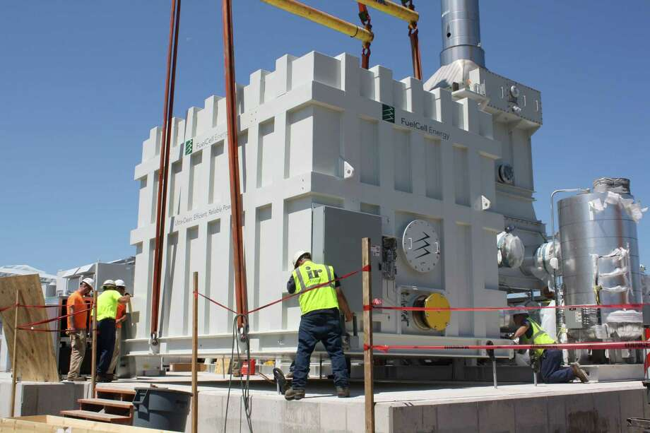 A FuelCell Energy unit installation. (File photo via FuelCell Energy)