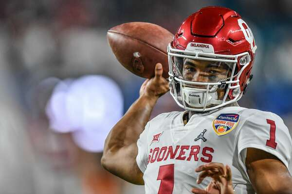 MIAMI, FL - DECEMBER 29: Kyler Murray #1 of the Oklahoma Sooners warms up before the game against the Alabama Crimson Tide at Hard Rock Stadium on December 29, 2018 in Miami, Florida. (Photo by Mark Brown/Getty Images)