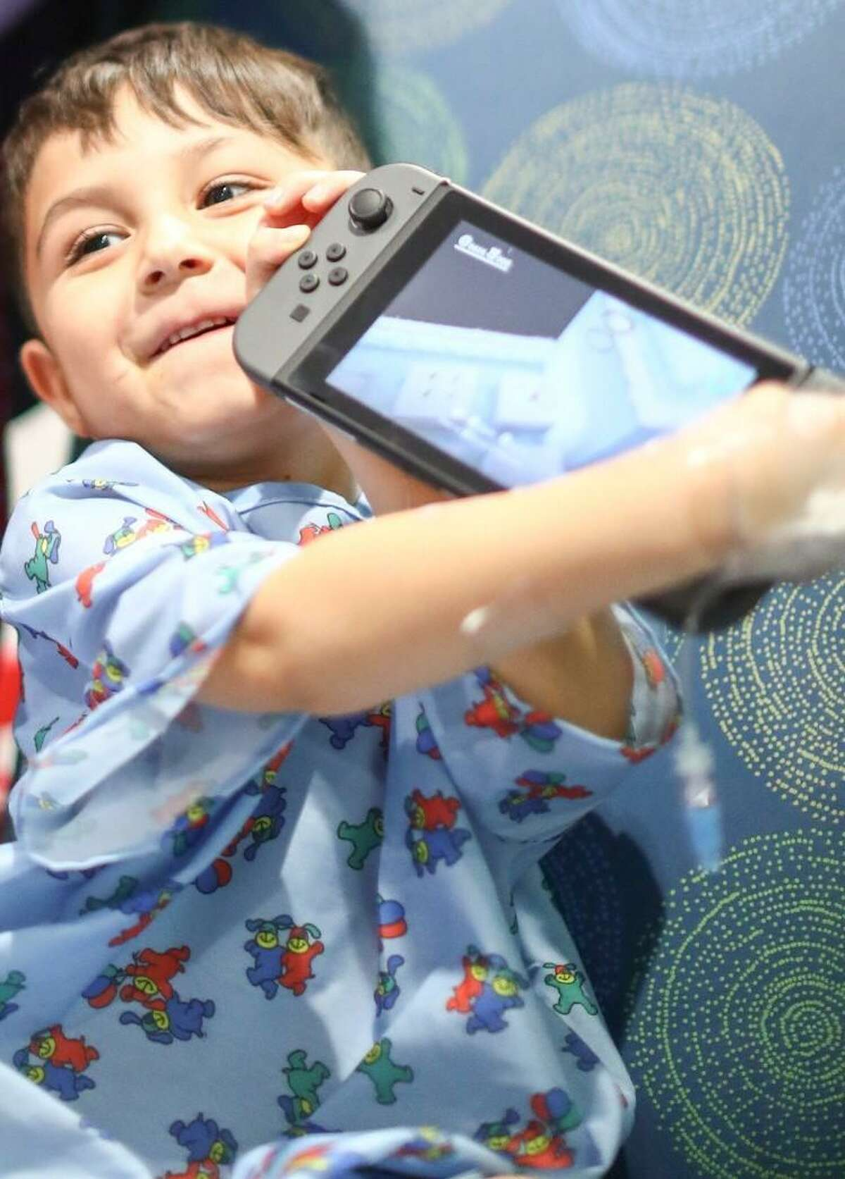 Conn's HomePlus and the Houston Texans donated mobile gaming stations to Texas Children's Hospital to provide entertainment for children unable to visit the hospital playrooms.