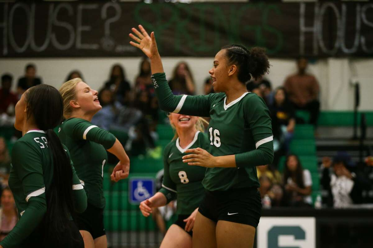 Spring senior MH/OH Travel Morris (16) was named 2018 District 16-6A Most Valuable Player.