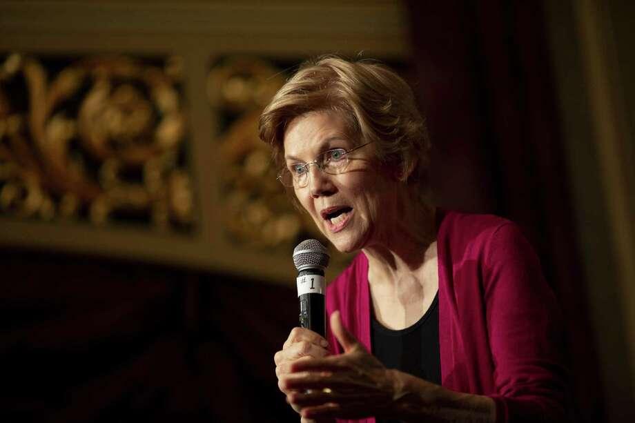 Sen. Elizabeth Warren, D-Mass., speaks in Sioux City, Iowa, on Jan. 5. Photo: Bloomberg Photo By Daniel Acker / Bloomberg
