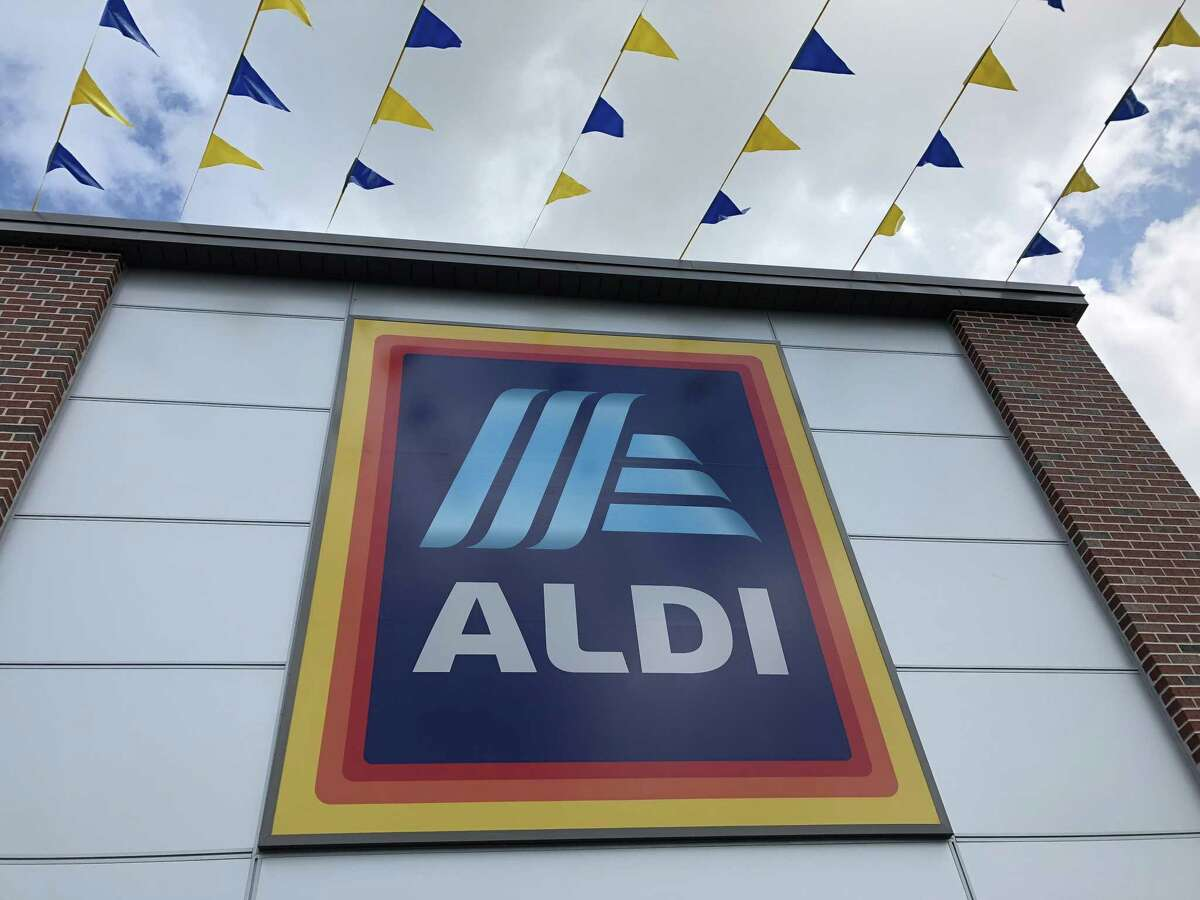 Aldi opened its 14th store in Houston Thursday.