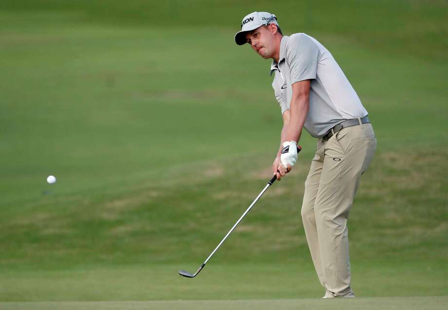 Andrew Putnam hits onto the 10th green during the first round of the Sony Open PGA Tour golf event, Thursday, Jan. 10, 2019, at the Waialae Country Club in Honolulu, Hawaii. (AP Photo/Matt York) Photo: Matt York / Copyright 2019 The Associated Press. All rights reserved