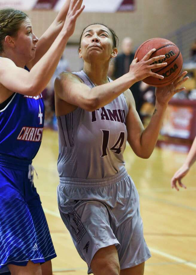 Ciera Walker had 15 points and seven rebounds Thursday in TAMIU's 105-50 loss at Oklahoma Christian. It was the Dustdevils' largest Heartland Conference defeat of all-time after setting the record last week in the league opener. Photo: Danny Zaragoza /Laredo Morning Times File