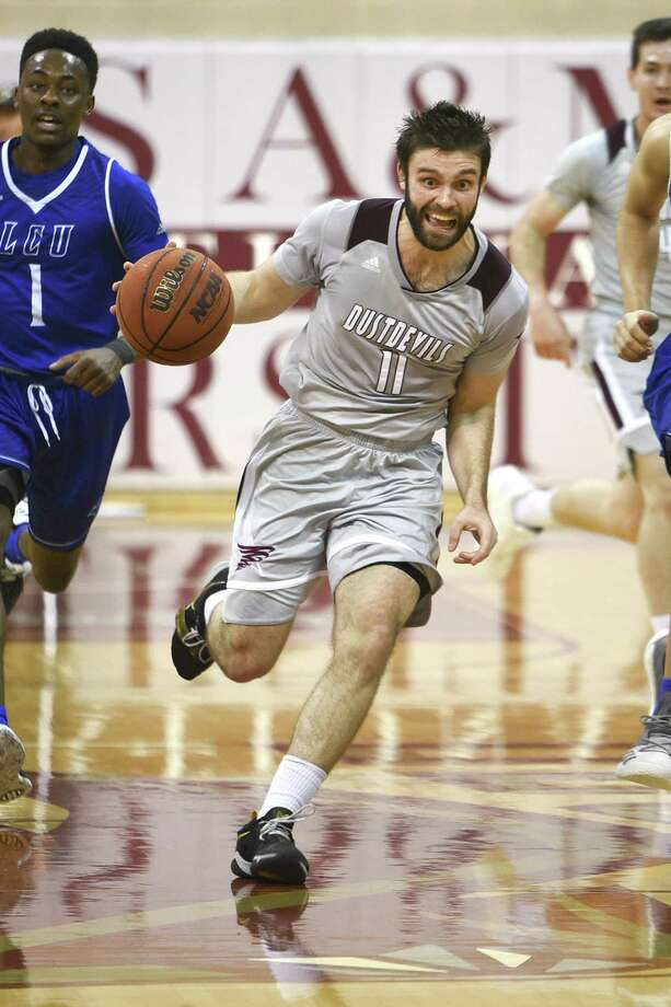 Guard Danny Spinuzza was one of three players with 10 points as TAMIU lost 80-42 at Division I New Mexico State in an exhibition on Tuesday night. Photo: Danny Zaragoza /Laredo Morning Times File