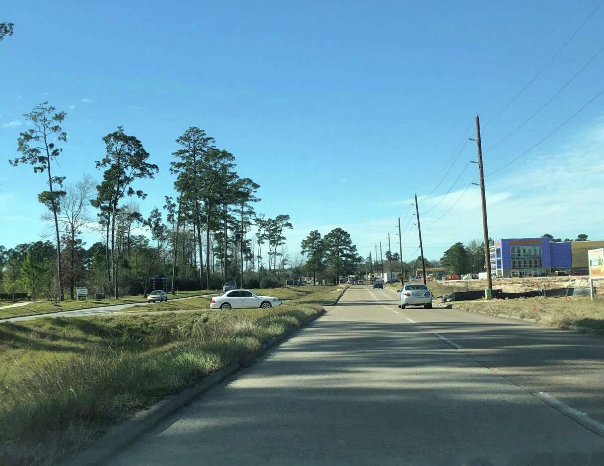 Section of Northpark Drive looking toward Highway 59.